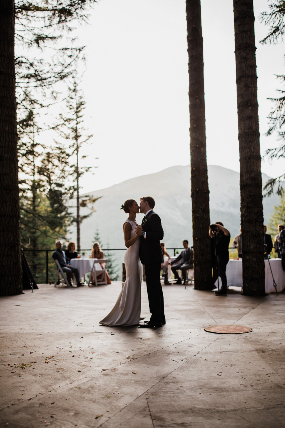 Jena and Kyler share a dance on the tree-deck. Photo by  The Hearnes Adventure Photography