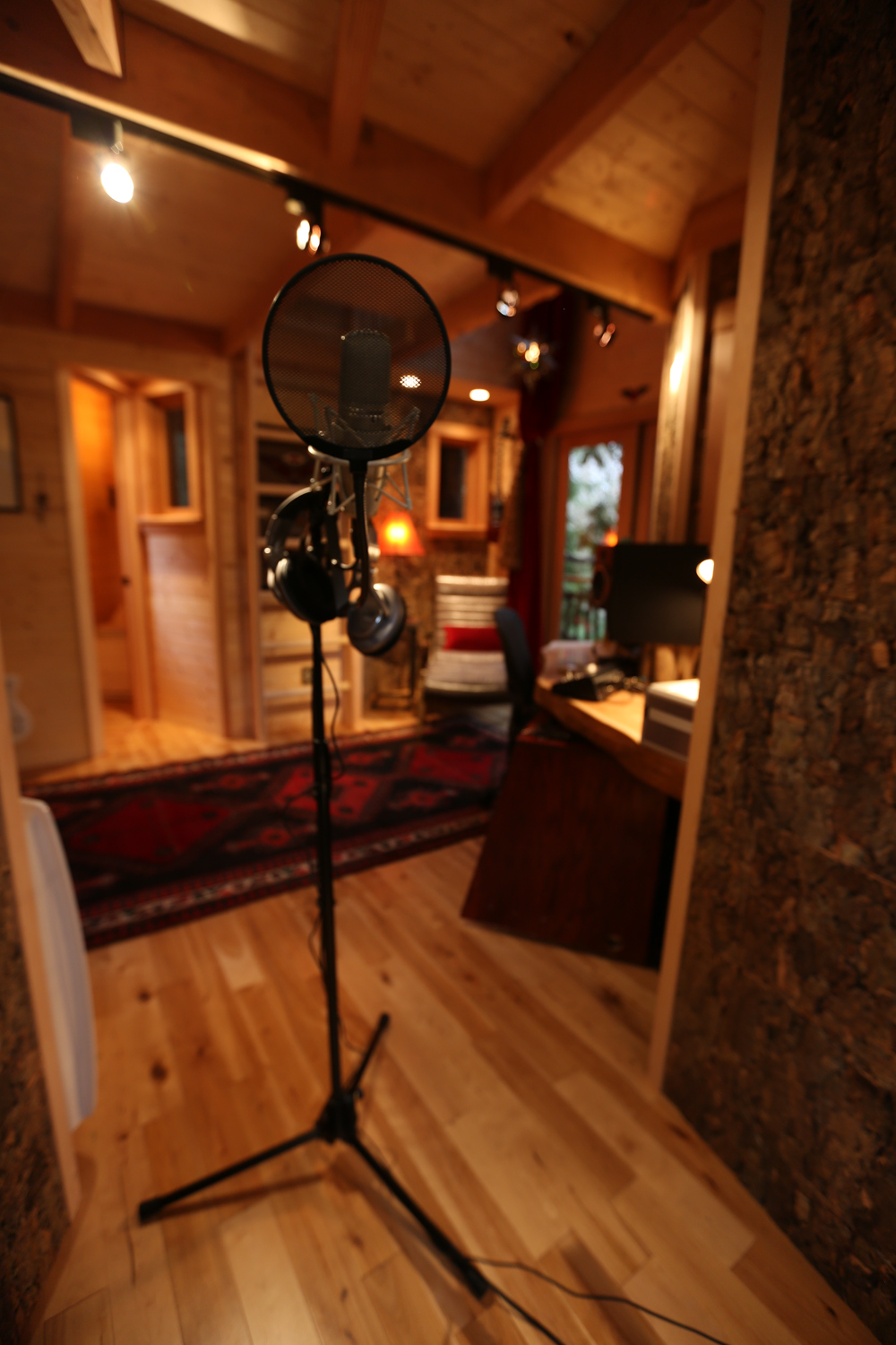 Nelson treehouse recording studio cork-line recording booth