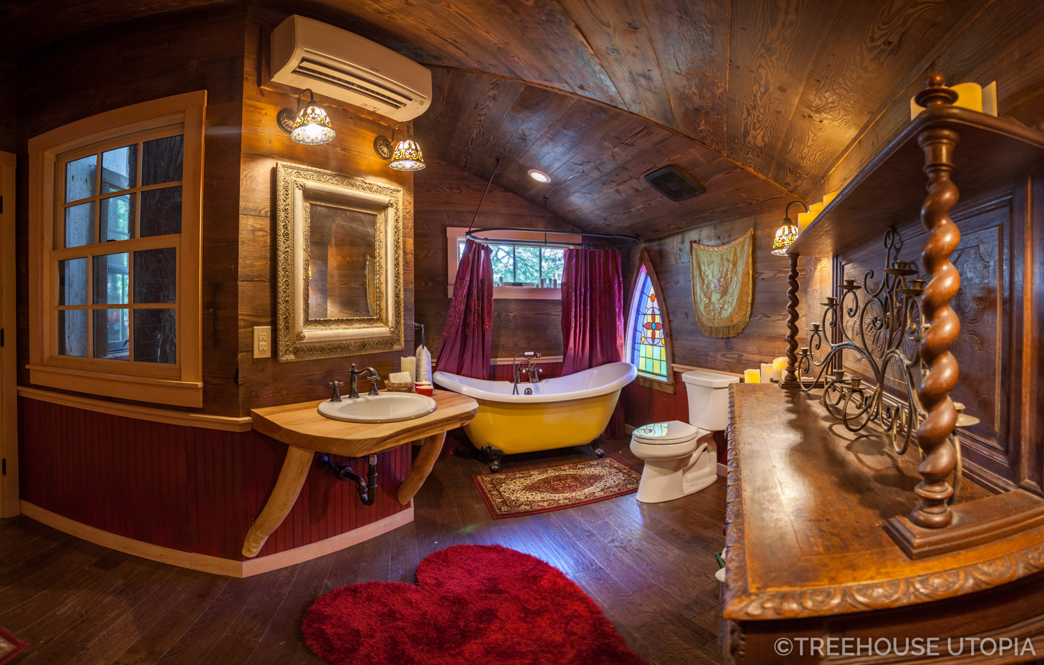 Bathtub in Chapelle at Treehouse Utopia, a Texas Hill Country Retreat. Photo by Nelson Treehouse.