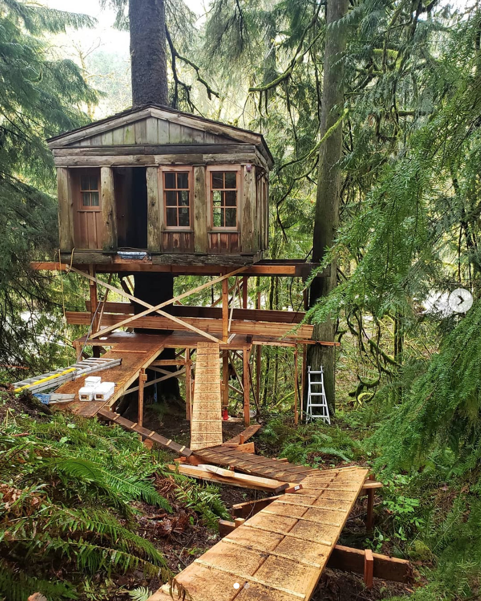 Renovating the Temple of the Blue Moon at TreeHouse Point