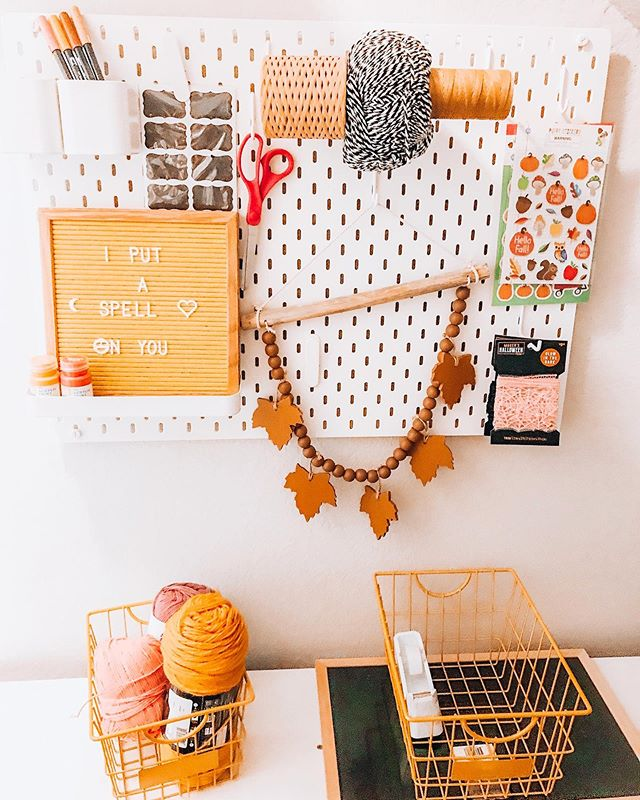 Seasonal Craft Pegboard 🎃🍁 I love this @ikeausa pegboard to store all (ok, 1/8) of my craft supplies. Easy access to my essentials, and it just makes me happy to look at, ok? 👻  I know it's early, but according to my holiday gurus @theeverco @homeofuandme & @chasing_nostalgia I'm already behind. 😂  Share your #holidaypegboard and tag me!