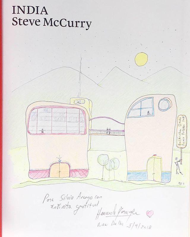 """Dibujo en lápices de colores sobre el libro de Steve McCurry """" India"""" hecho como dedicatoria a la arquitecta , crítica e historiadora Silvia Arango Cardinal en gratitud por el Prólogo del libro """"Herbert Baresch, el hombre y el arquitecto"""" Hernando Baraya, Edit Araukaria Arquitectura + Villegas Editores 2017. . . #araukariaarquitectura #drawing #architecture #arquitectura #dibujo #dibujosalapiz #dibujoacolor #archdailyco"""