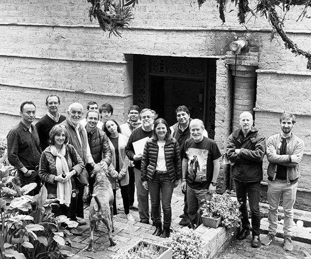 Hoy hicimos tur por las Casas de Herbert Baresch (1953-1990) en la Floresta de La Sabana . Estudiantes , Profesores, Clientes , amigos y alumnos de Herbert disfrutamos del recorrido. #herbertbaresch  #arquitectura  #architecture  @araukariaarquitectura  @yirkamcb