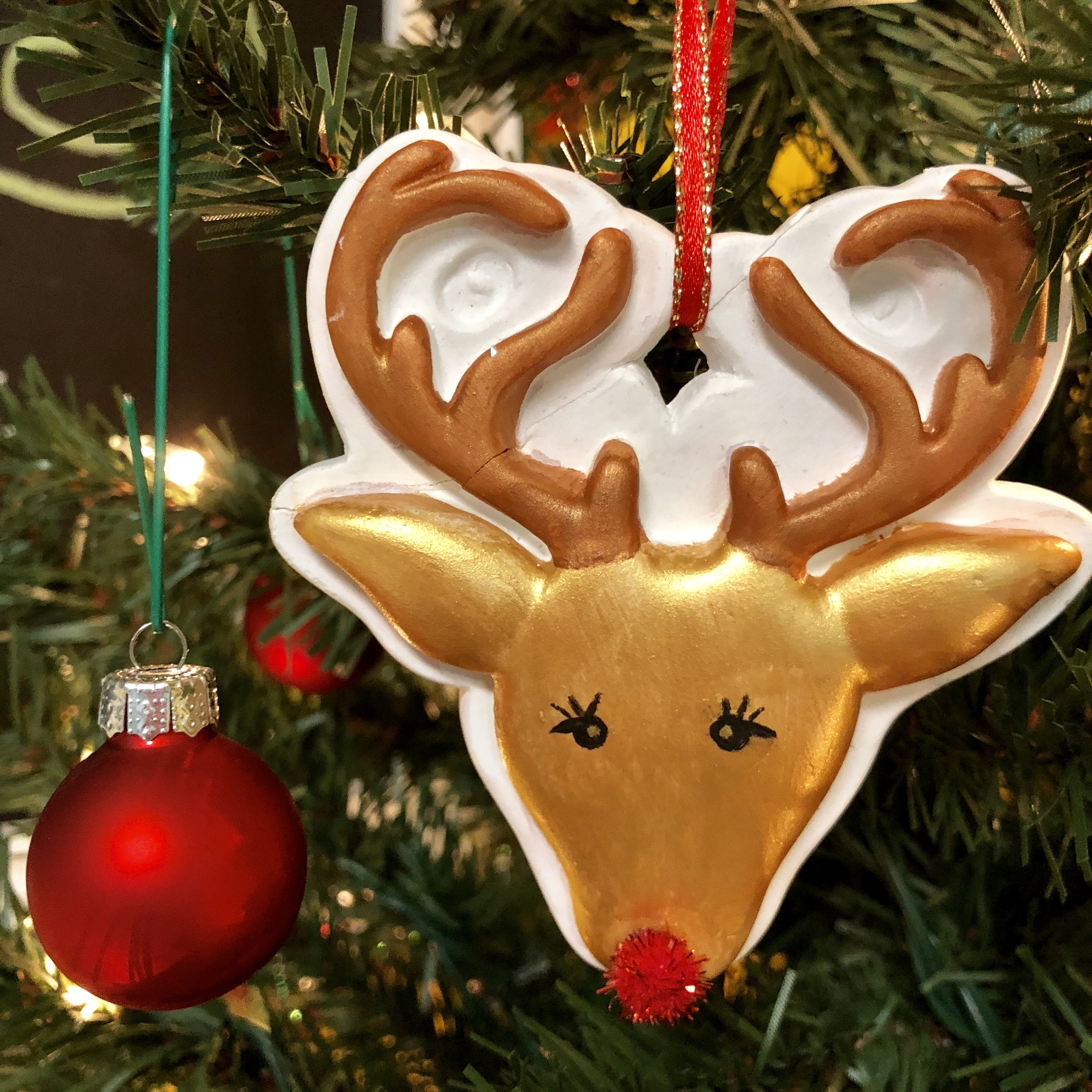 $25 - Ornament Decorating Bar  Paint, glitter, decorate, and create Christmas ornaments. Porcelain, wood, plaster, felt, glass and more!