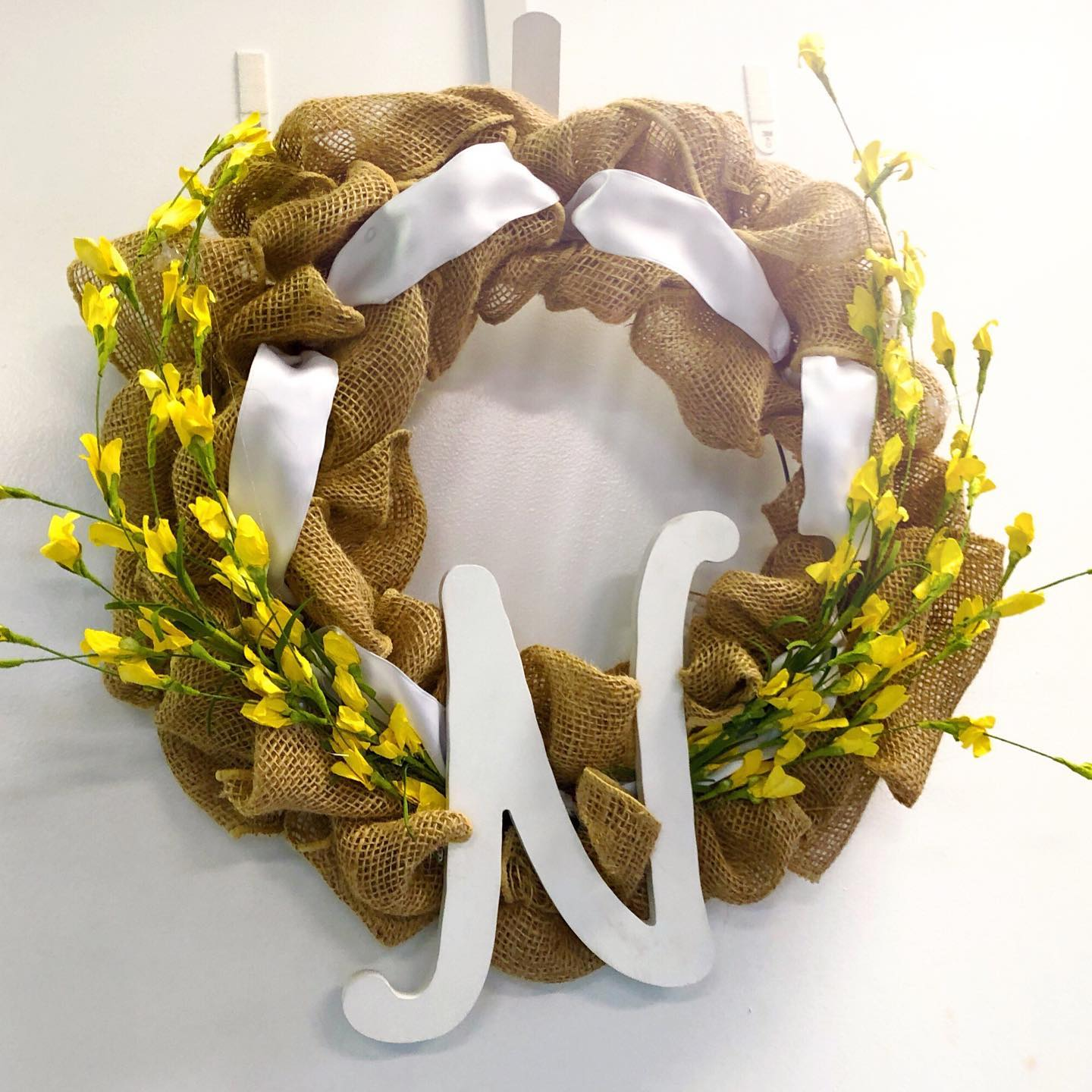 $45 - Burlap/Mesh Wreath Making   Learn to weave burlap or mesh and decorate. Year round, Halloween, holidays, and seasonal options available.