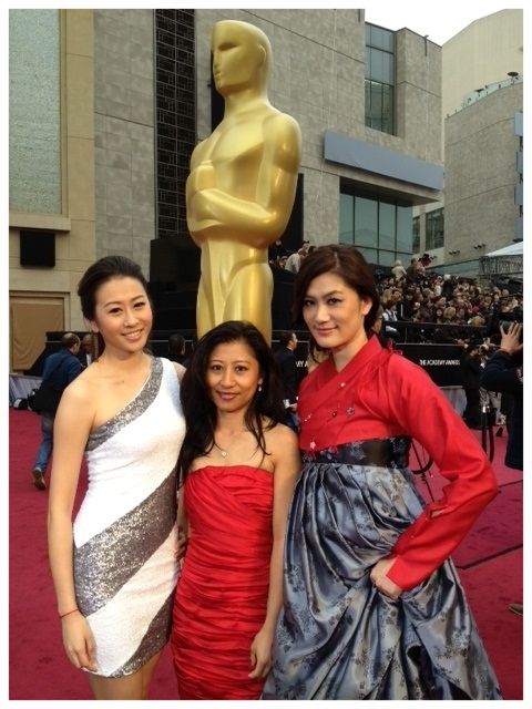 Academy Awards 2012 w/ LA18 reporters Renee Huang & Kelly Che