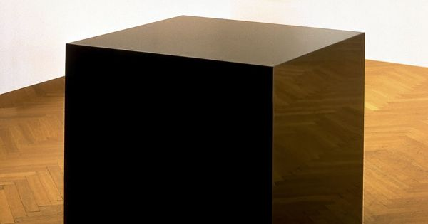 Ink Box 1986 by Charles Ray. Steel box and 200 gallons of printer's ink.
