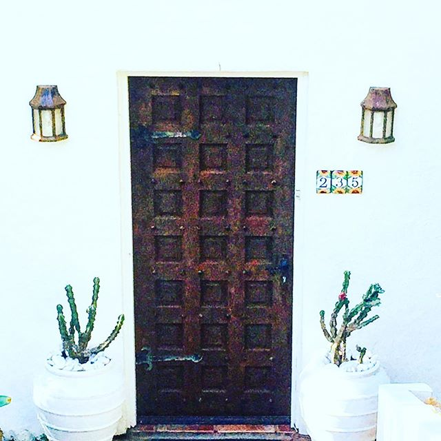 Welcome to  Sensom🌵  Luxury Bed and Breakfast  Your door to a little piece of paradise...