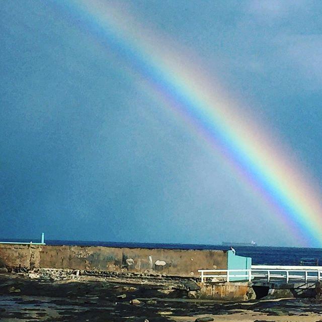 Rainbows @newcastleoceanbaths #cowriehole #cowrieholenewcastle #newyeast #grewuphere
