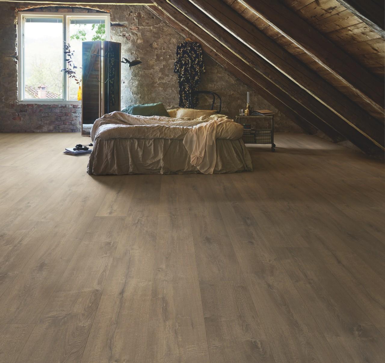 Laminuotos grindys Ąžuolas Lodge L0234-03864 Wide Long Plank kolekcija.jpeg