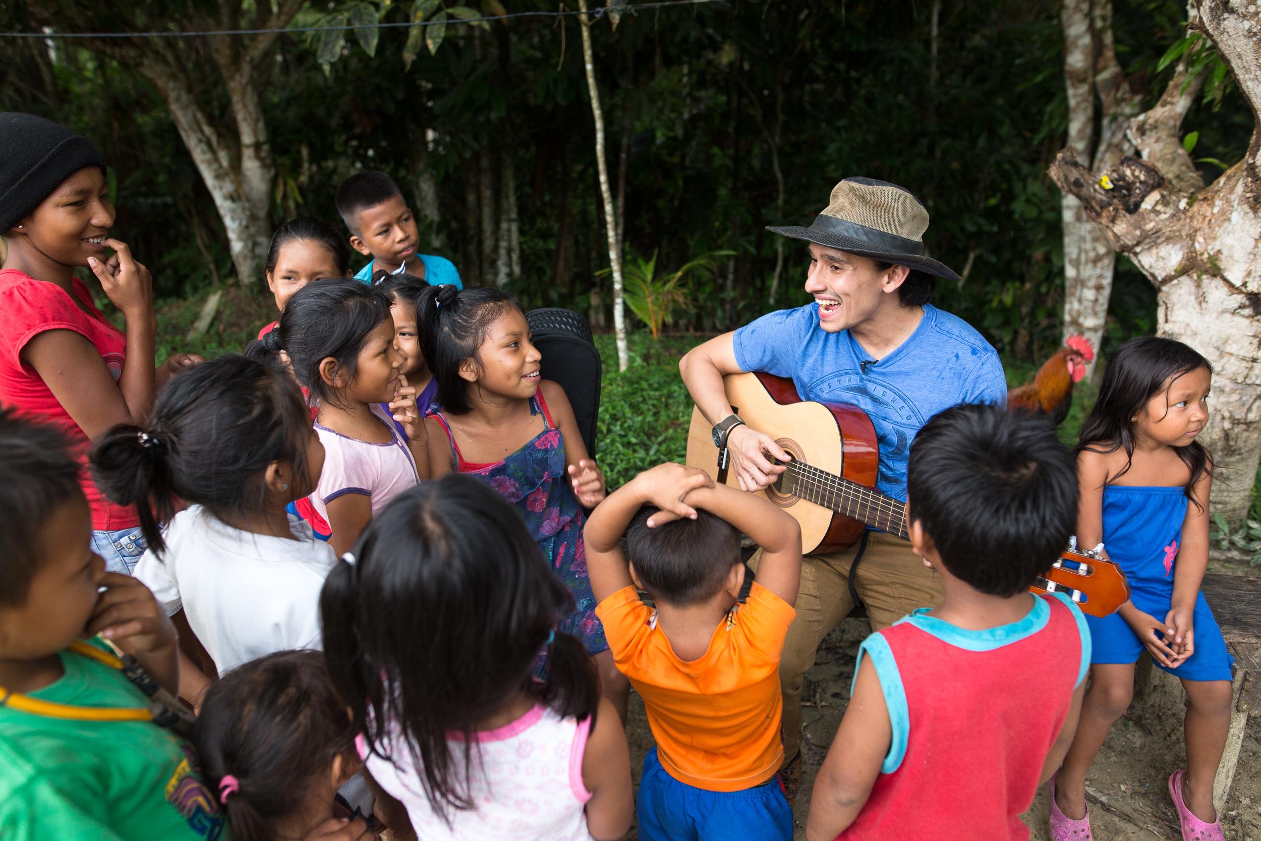 "Jhonny teaches children the song ""El Pobre de  Sebastian"" all throughout Colombia."