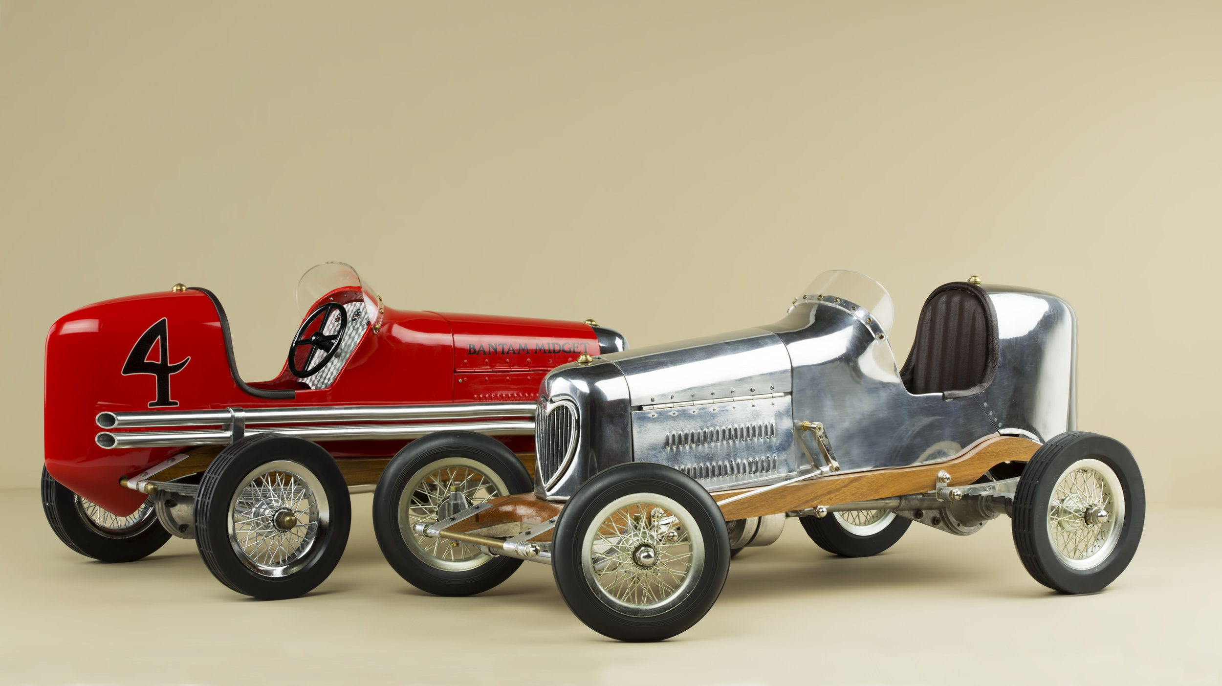 Aluminium and red Bantam Midget by Authentic Models