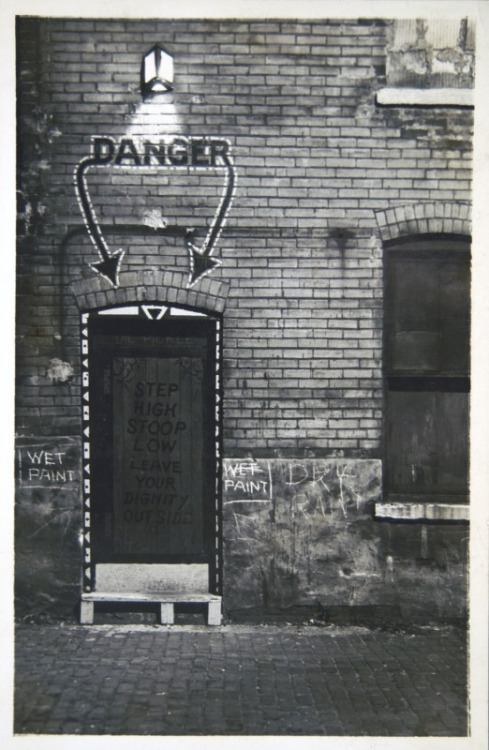 The entrance to the Dill Pickle Club in Chicago, a social club popular among artists, intellectuals, and bohemians from the 1910s to the 1930s. It was a famous Chicago Speakeasy club during prohibition.