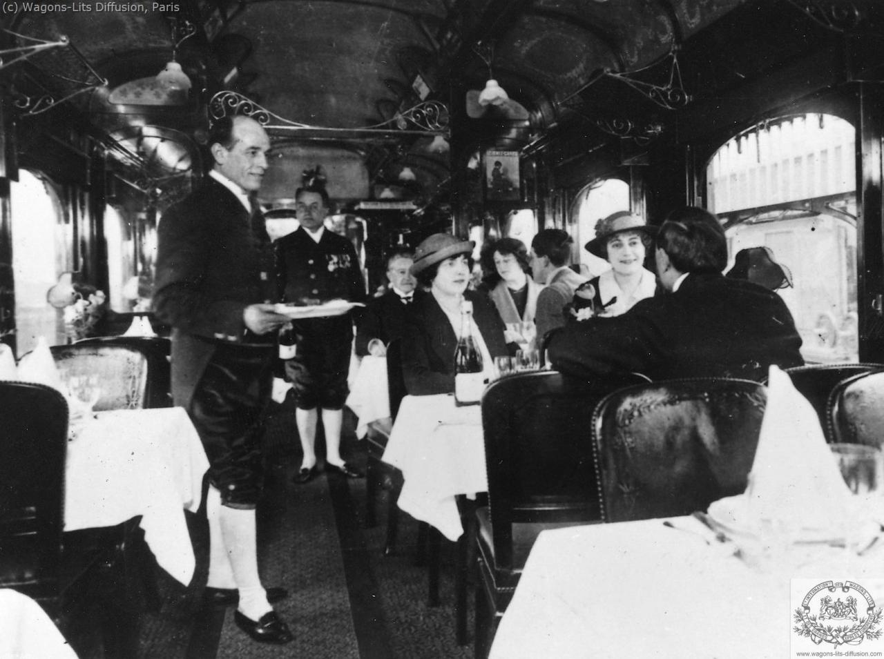 Inside the Restaurant car, CIWL archive, 1900 c.ca