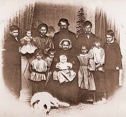 Johannes Badrutt with his family, ca. 1865