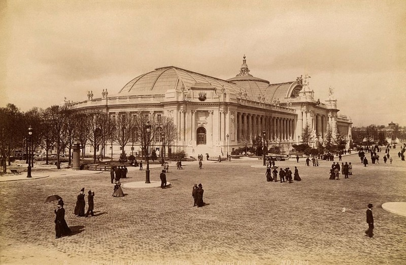 The  Grand Palais.   it was a showcase for French art and cultural exhibits, it incorporated elements of the Art Nouveau,  which design was  something completely new for the time. 1900