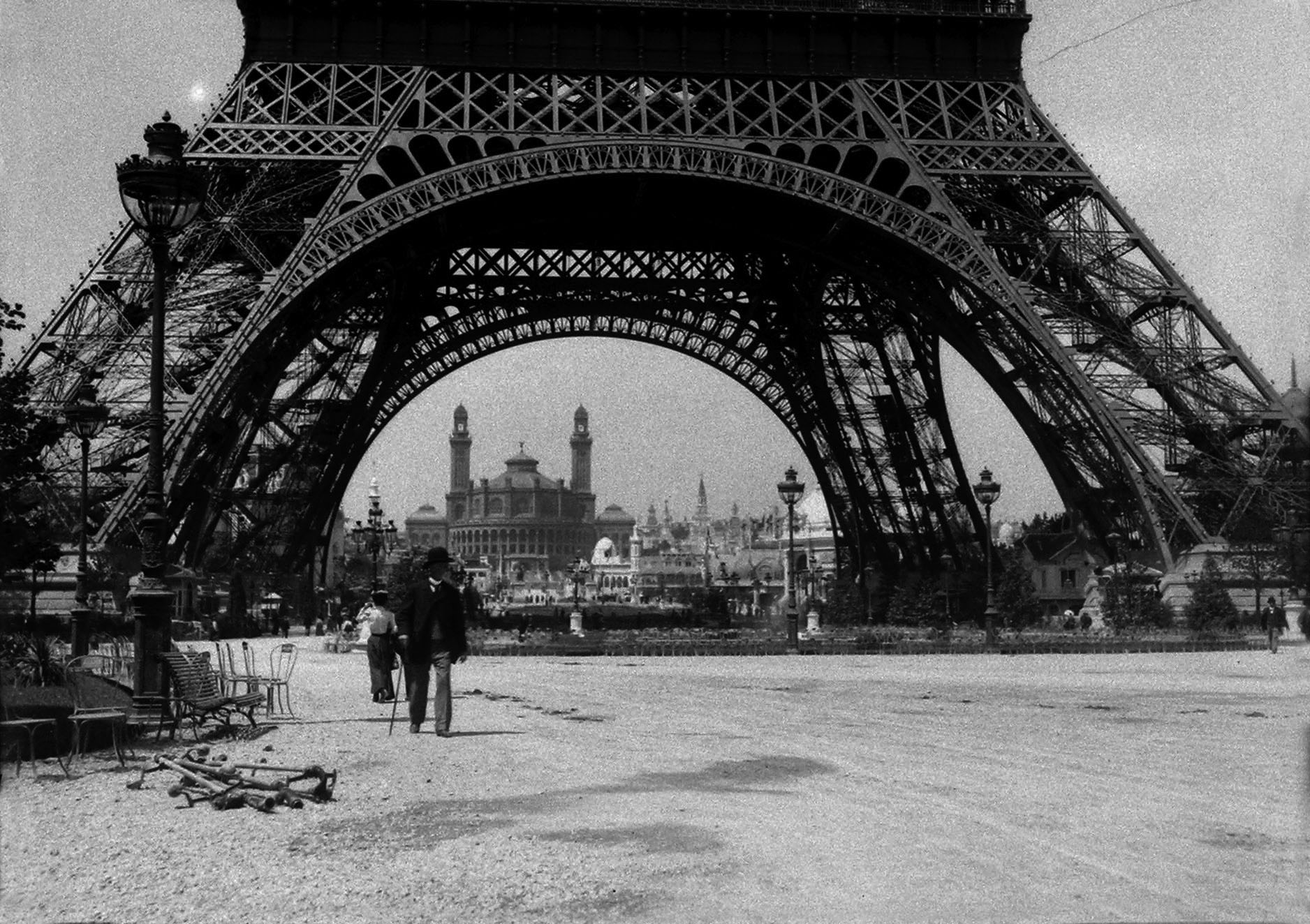 The  Eiffel Tower  and the  Trocadero  Palace in the background, 1900
