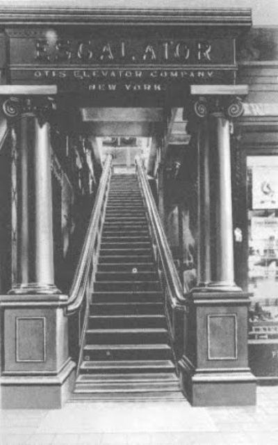 The Otis Elevator Company from New York presented for the first time at the world fair in 1900 this escalator that won the first prize. The modern staircase that we know today was created by Charles Seeberger.