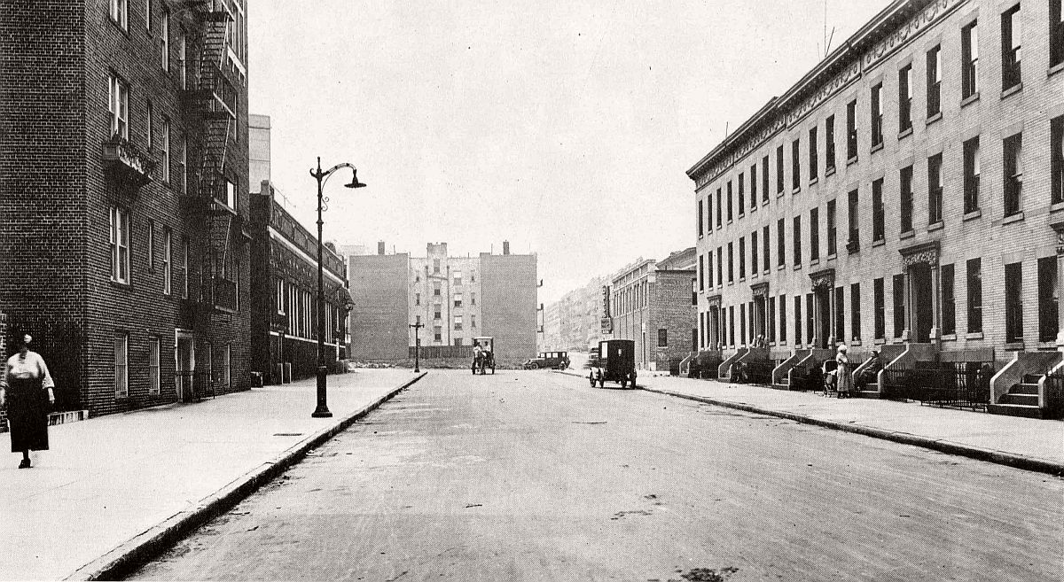 Lincoln Place toward Washington Ave in Prospect Heights, Brooklyn. 1924