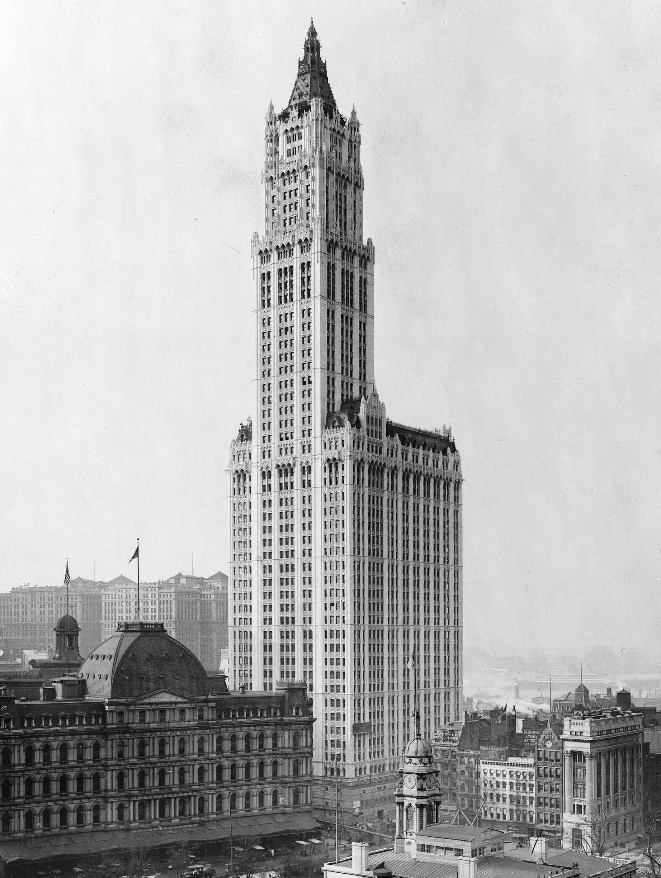 Woolworth Building, 1913 -