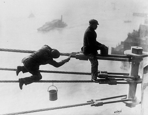 Workers at Brooklyn Bridge , 1915