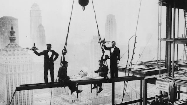Charles Clyde Ebbets - GE Building, Rockefeller Center, 1932