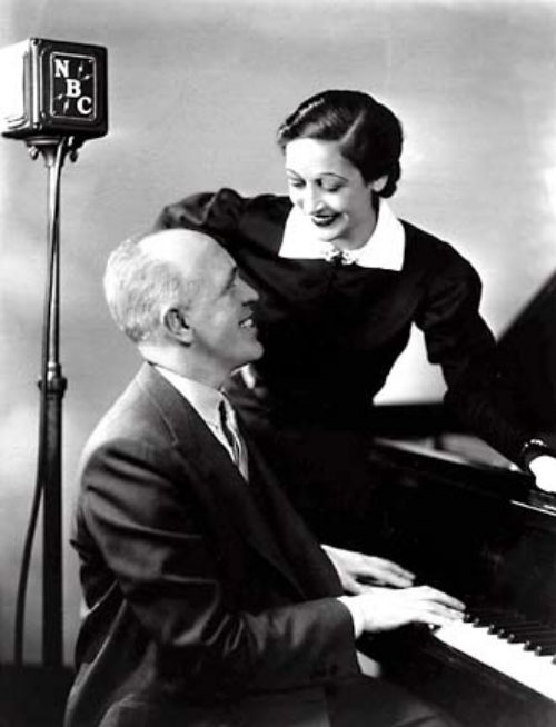 In 1927 Dorothy Fields began collaborating with composer Jimmy McHugh on songs for Cotton Club floorshows.