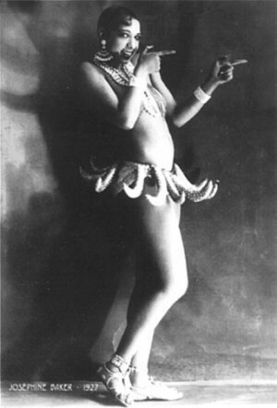 Before she moved to Paris, where she became a star, Josephine Baker started her career at the Cotton Club for few dollars. Her costume, consisting of only a girdle of bananas, became her most iconic image and a symbol of the jazz age and the 1920s.
