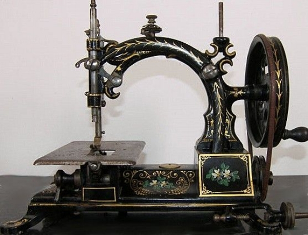 Hurtu sewing machine, the first machine conceived to sew leather, 1861