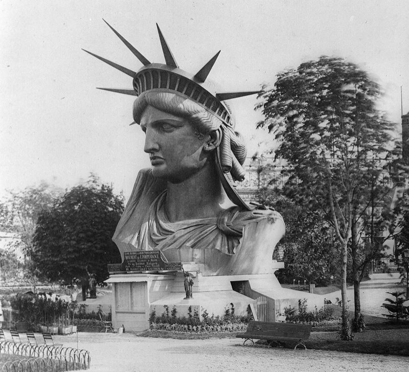 At the World Exposition of Paris in 1878, the gardens of the Trocadéro displayed the full-size head of the Statue of Liberty, before the statue was completed and shipped to New York.