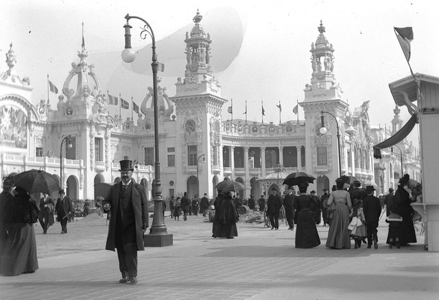 Exposition Universelle de Paris, Paris World Fair, 1900. Many of the buildings we can still admire today were specially built for the 1900 Parisian world exhibit.