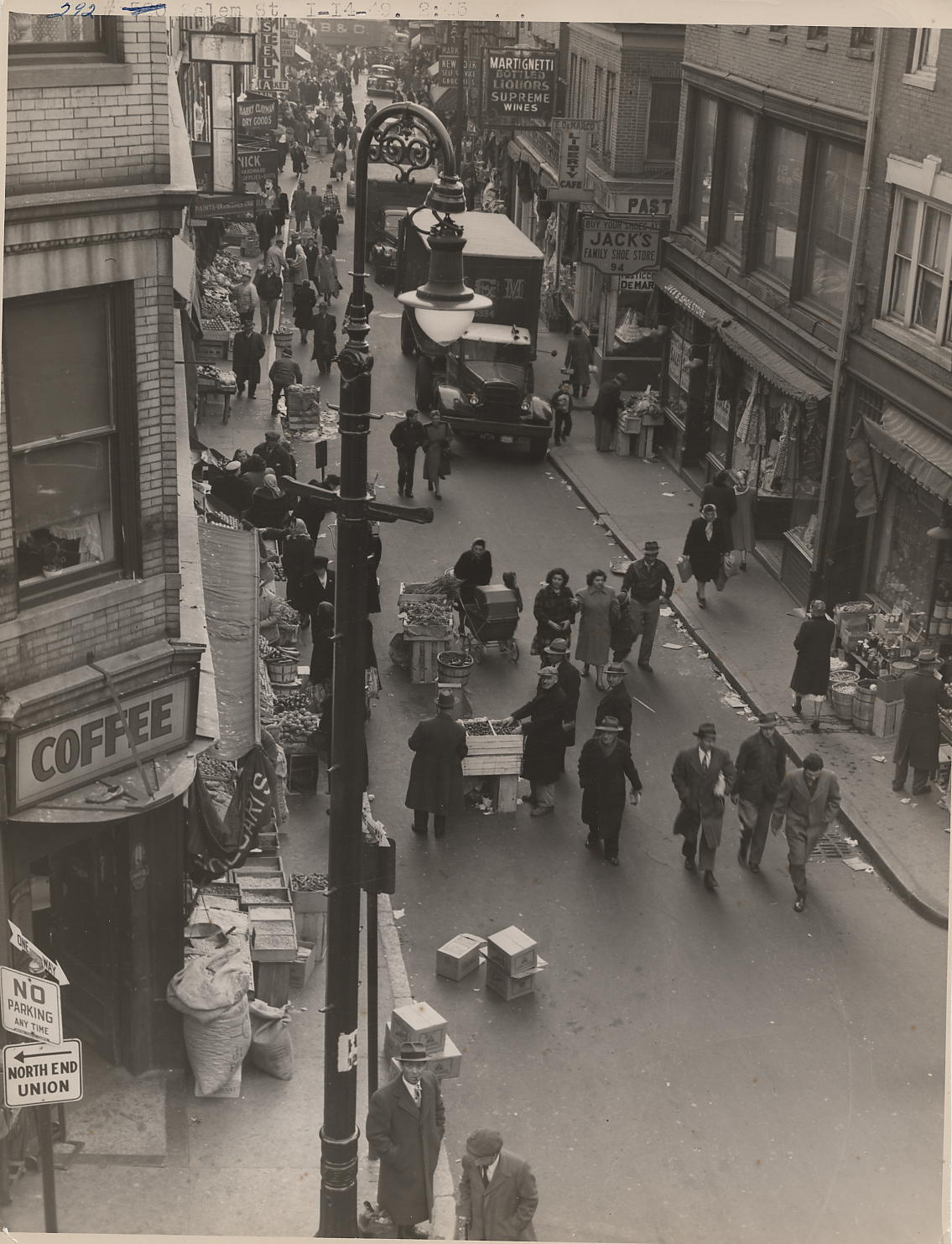 Salem Street, historic district of North End, Boston, 1949 (City of Boston Archives)