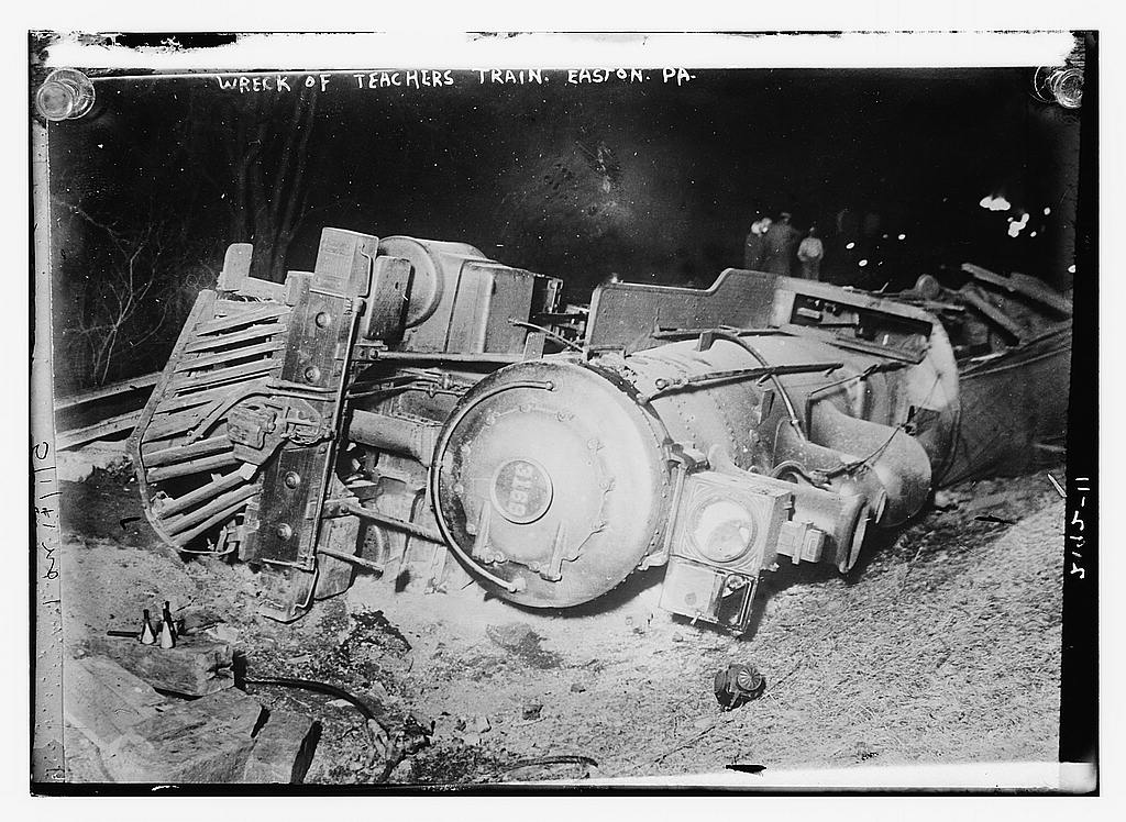 Wreck of teachers train, 1911 (The George Grantham Bain Collection - Library of Congress archive)
