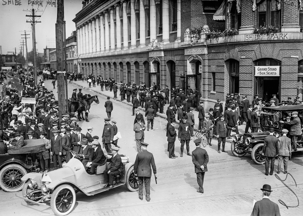 Outside Shibe Park in Philadelphia. A horde of fans crowding during their team's losing World Series battle against the Boston Braves, 1914 (The George Grantham Bain Collection - Library of Congress archive)