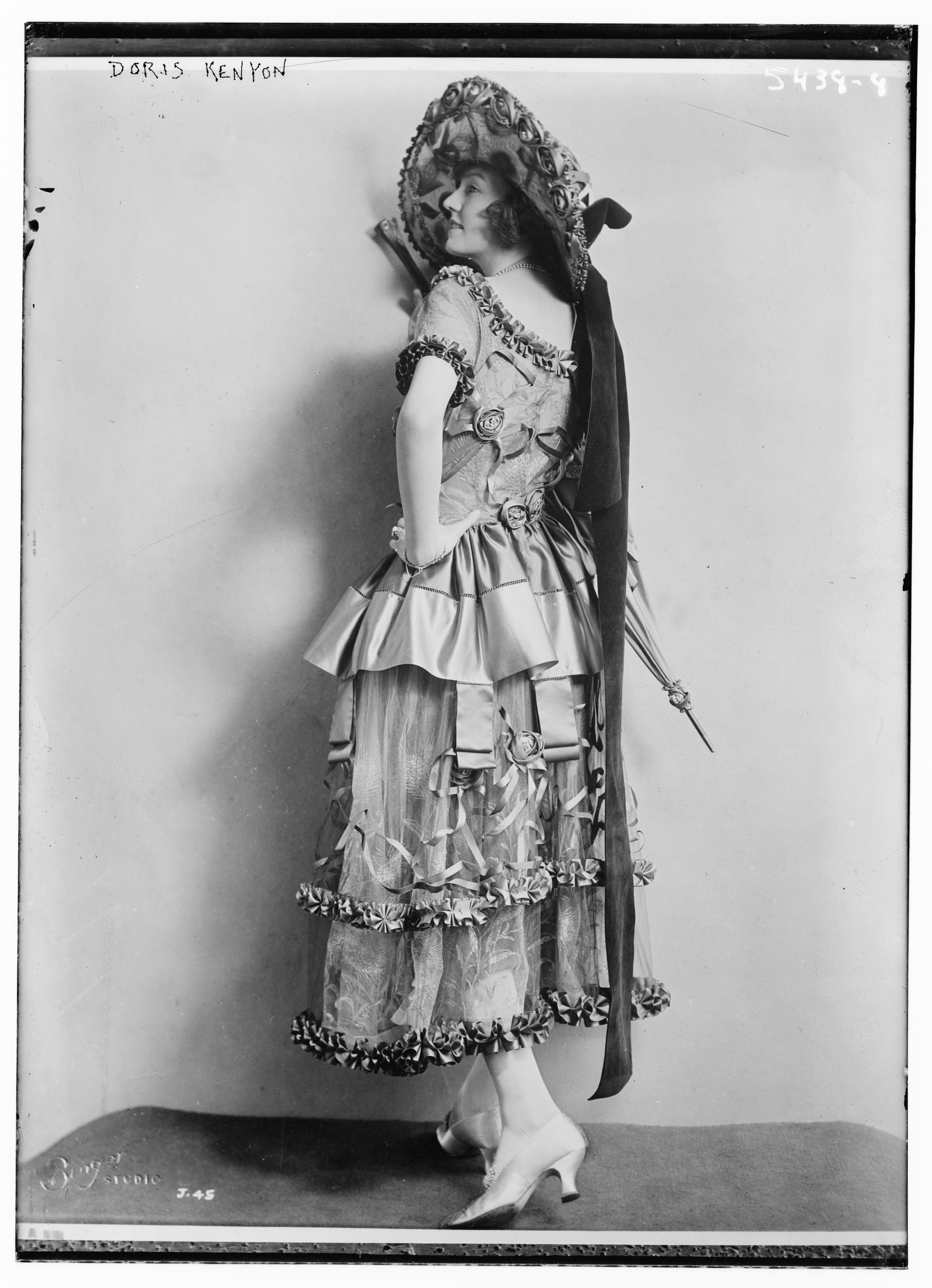 Actress Doris Kenyon, ca. 1915 (The George Grantham Bain Collection - Library of Congress archive)