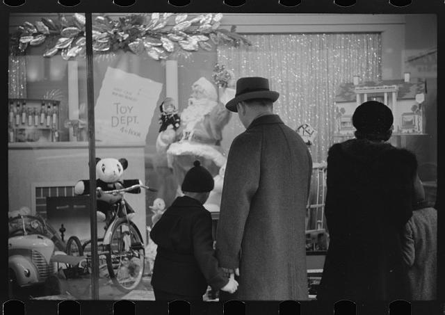 Window shoppers watching toy display in downtown Providence, Rhode Island,1940 (Courtesy of Library of Congress)