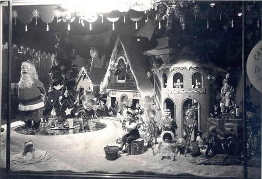 Frederick & Nelson holiday window decorations,Seattle, 1949