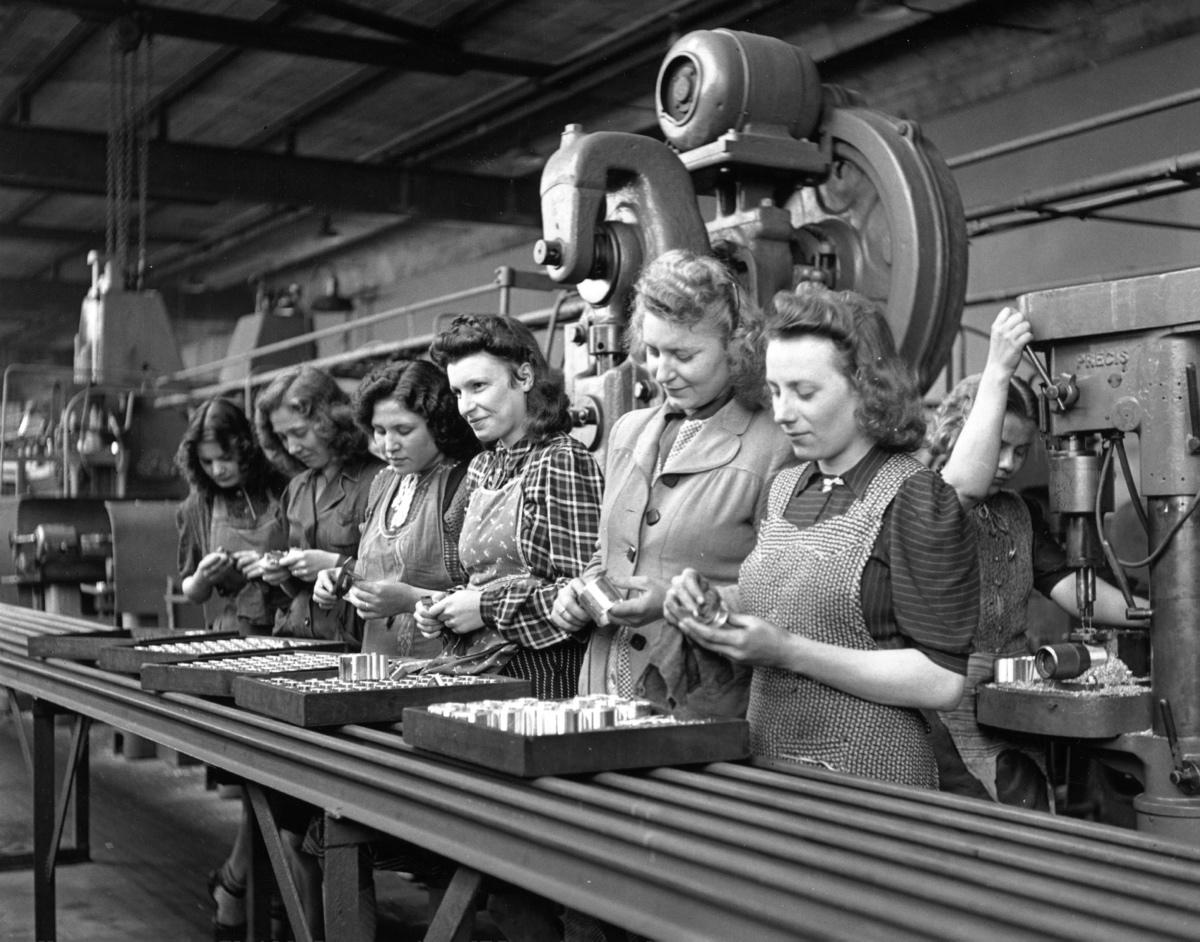 Women Ford Factory workers, 1947