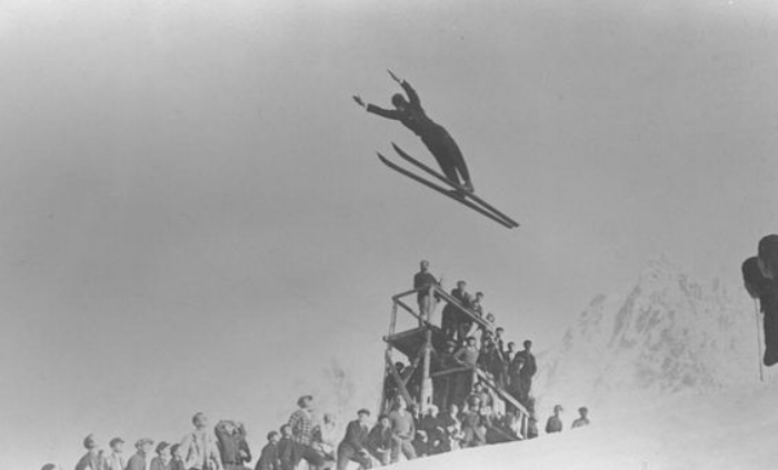 The Norwegian Jacob Tullin Thams won with this jump the gold medal in ski jumping at the Winter Olympic Games in Chamonix, 1924