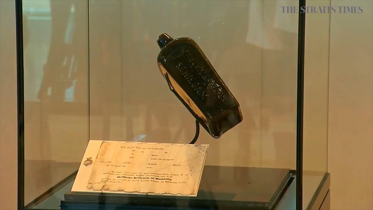 The oldest message in a bottle and its gin's bottle will be exhibited at Western Australian Museum for the next 2 years.