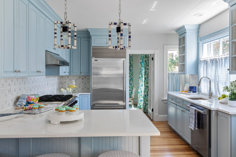 Newport, Rhode Island, Beach House, beach house decor, interior design, interior designer, dining room, dining room decor, blue cabinets, white countertops, back splash ideas