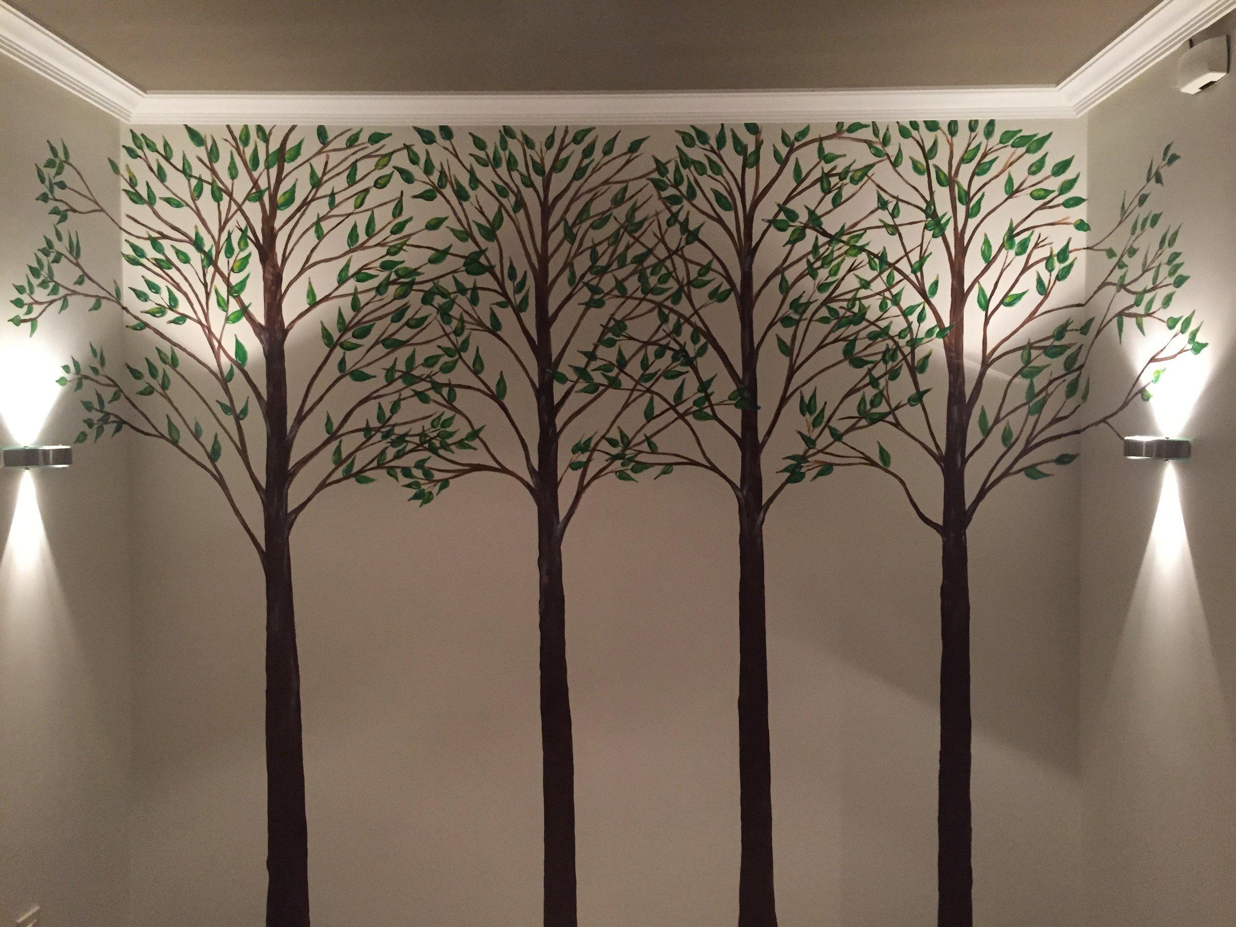 Pared con cuatro árboles - Ourense