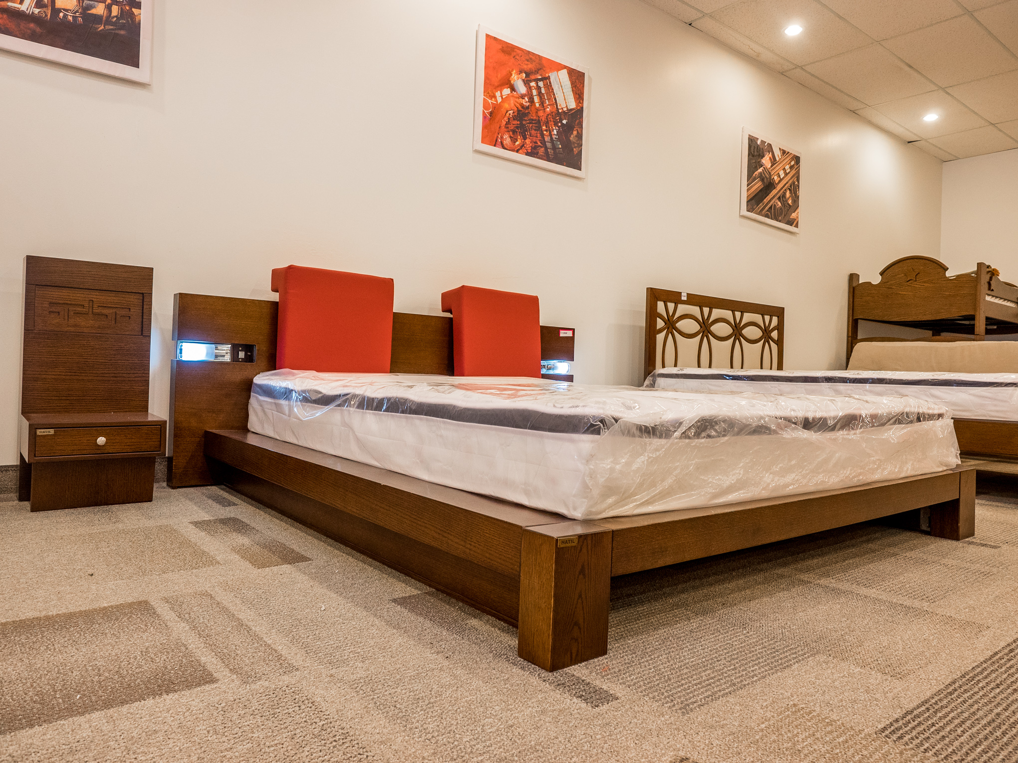 Model: 129-2-2-77. Bed with integrated lighting
