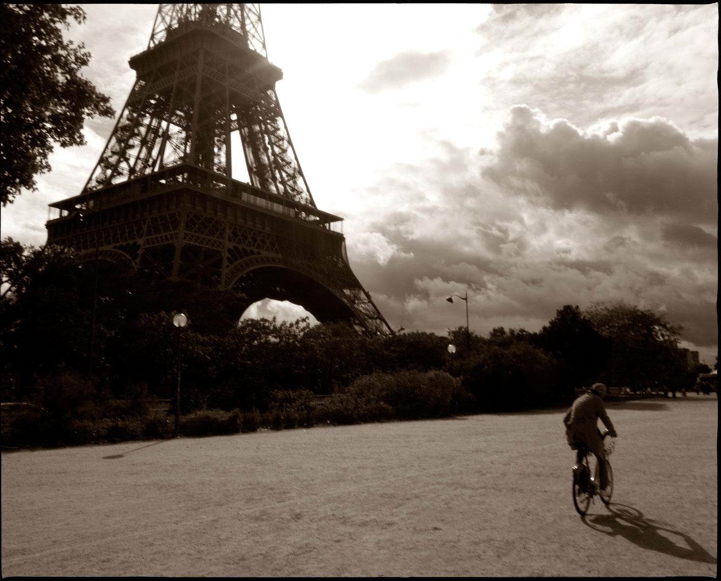 Eifle-Tower-Bicycle.jpg