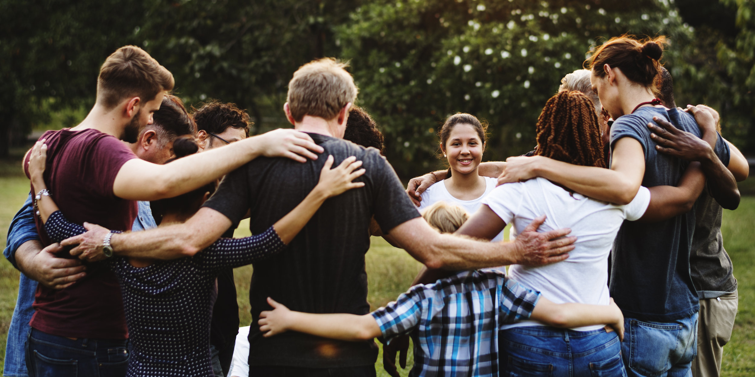VOLUNTEER WITH YOUTH MINISTRY -