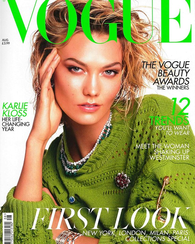 Hope y'all didn't miss Aeren Waters in August issue of @britishvogue with #karliekloss on cover❤️ Teamwork makes the dream work: Photography by the one and only @bysyranno. Styling direction (by a gifted styling creative) by @officialcozycloset. #beatface makeup by @erinbrooke.makeupartistry And to modeling prowess by @st.diallo . . #aerenwaters #ファッション  #ファッションデザイナー #BritishVogue #speakingthroughart #blackdesigner #fashionhighlight #accessorydesigner #mensaccessories #womeninfashion #womenaccessories #accessorybags #blackowned #accessorydesign #fashionisart  #fashionaddicts #accessoryfix