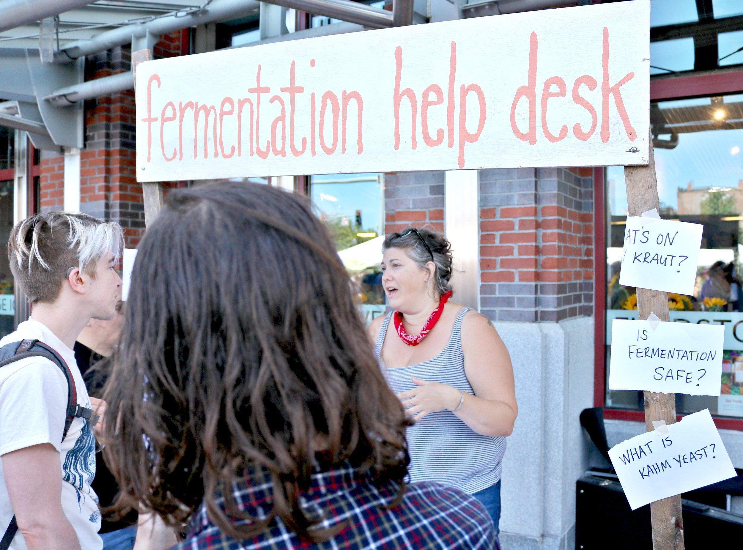info help desk 2.jpg