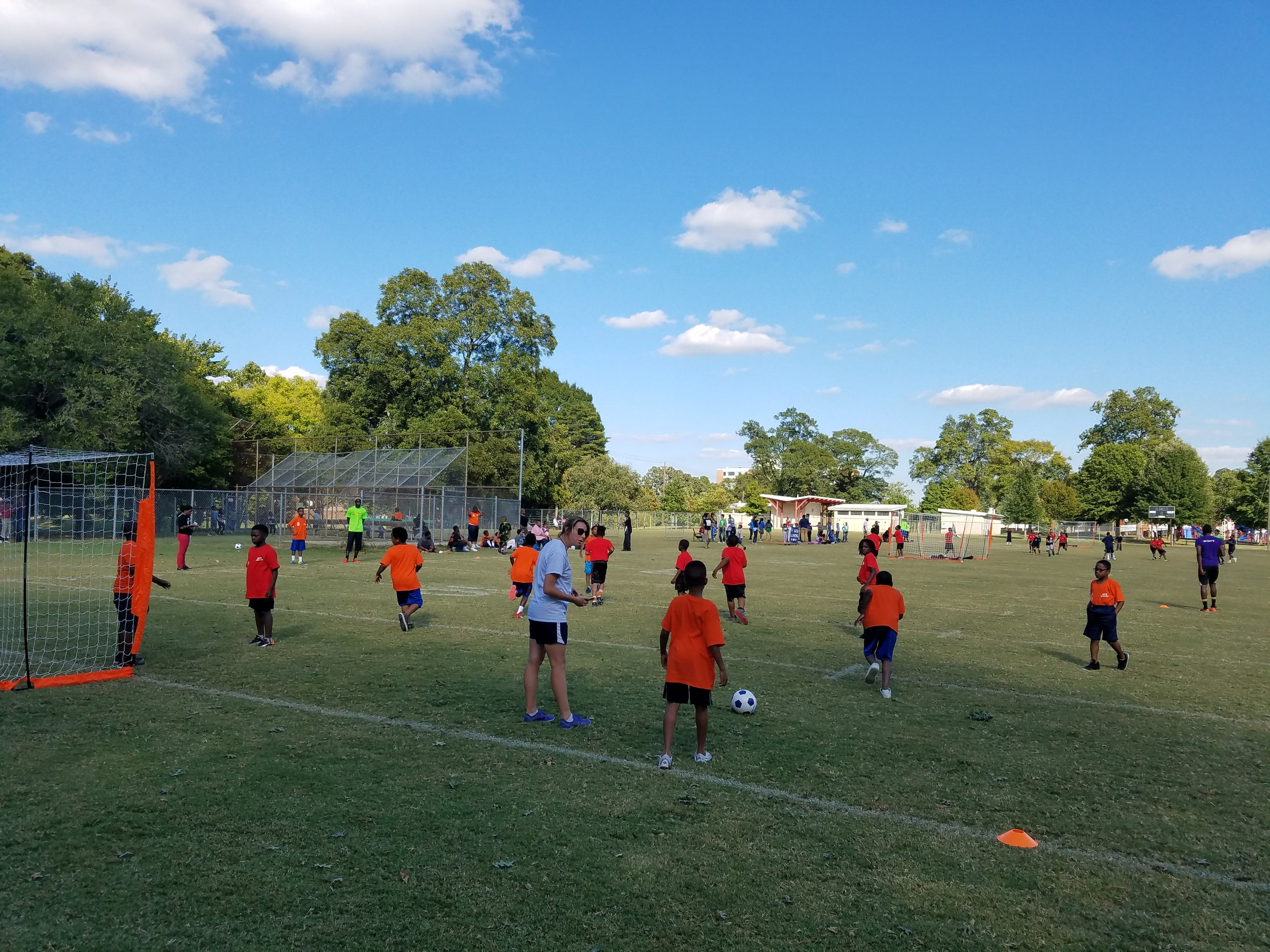 Lauren Desmond - Director of Coaching and Education - engages Dunbar students during one of our clinics.