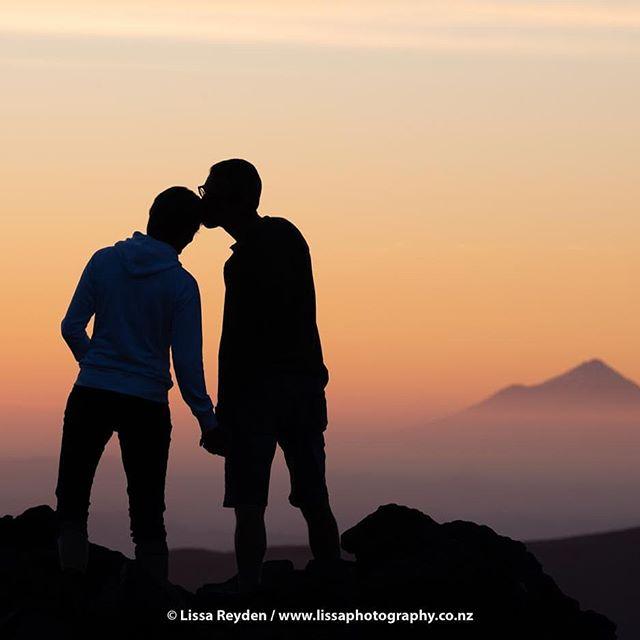 Happiness is only real once shared! ~ Christopher McCandless  @lissa.photography . . .  @purenewzealand . #nzmustdo #amazingearth #intothewild #earthpix #nikonnz #beyondthelands #makeithomenz #trampingnz #realmiddleearth #discovernz #wildernessculture #depthsofearth #bestnewzealand #newzealandguide #letsgosomewhere #wonderful_places #special_shots #whatchthisinstagood #lovethewild #lifeofadventure #welivetoexplore #beautifuldestinations #mynikonlife #theoutdoorfolk #ourplanetdaily #openmyworld #visualsofearth #go_newzealand