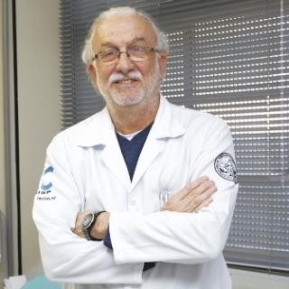 Diretor de Serviço de Saúde e Coordenador do SESMT do Hospital das Clínicas da Faculdade de Medicina da Universidade de São Paulo